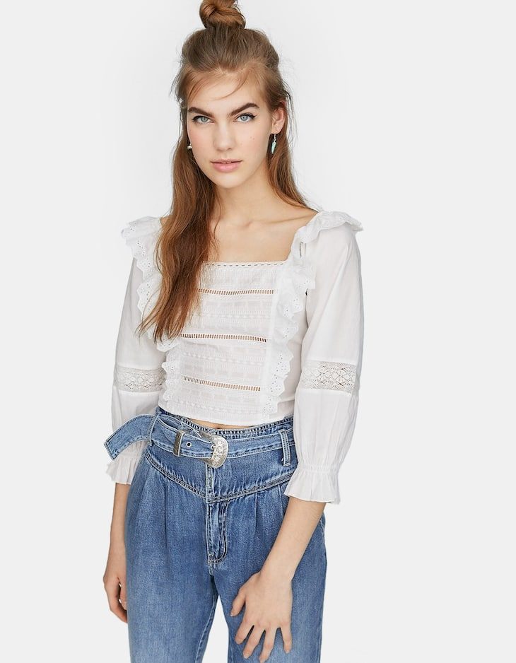 Lace-trimmed shirt with shirred back