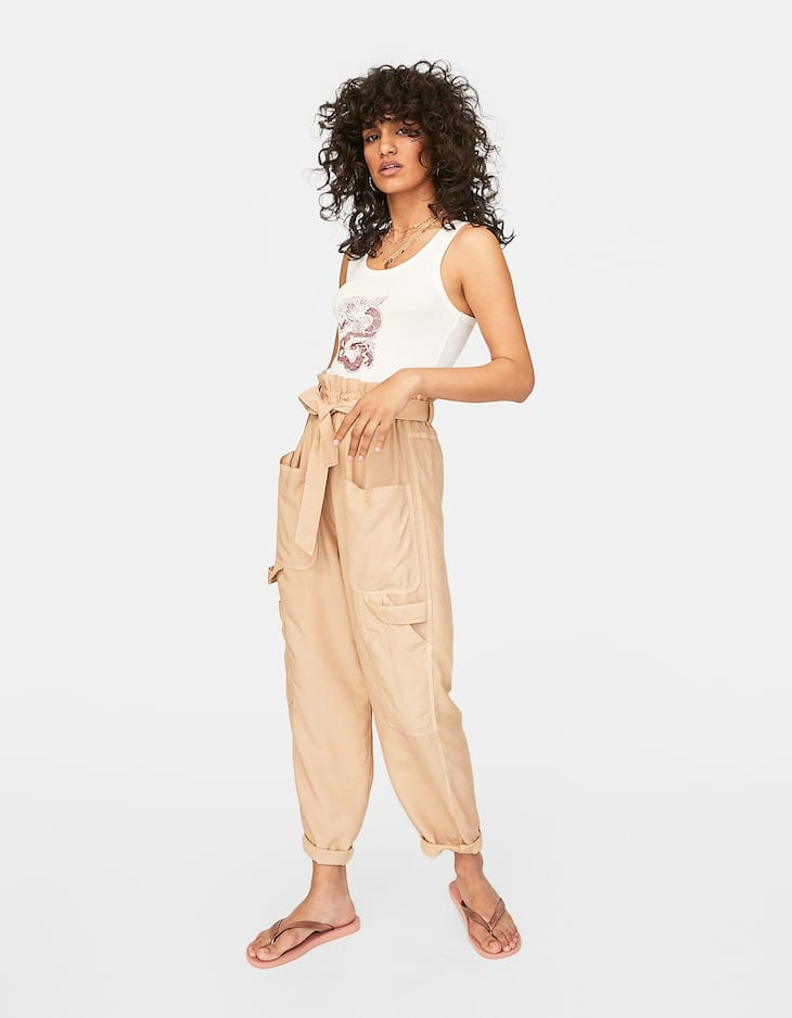 Paperbag trousers with pockets