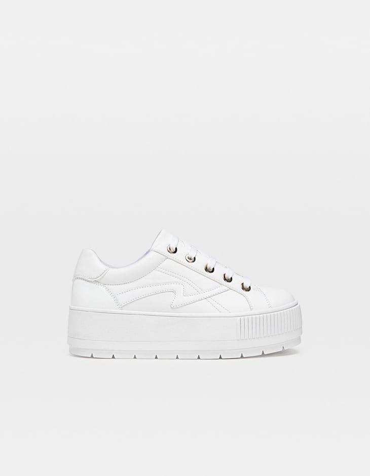 Witte sneaker met plateauzool