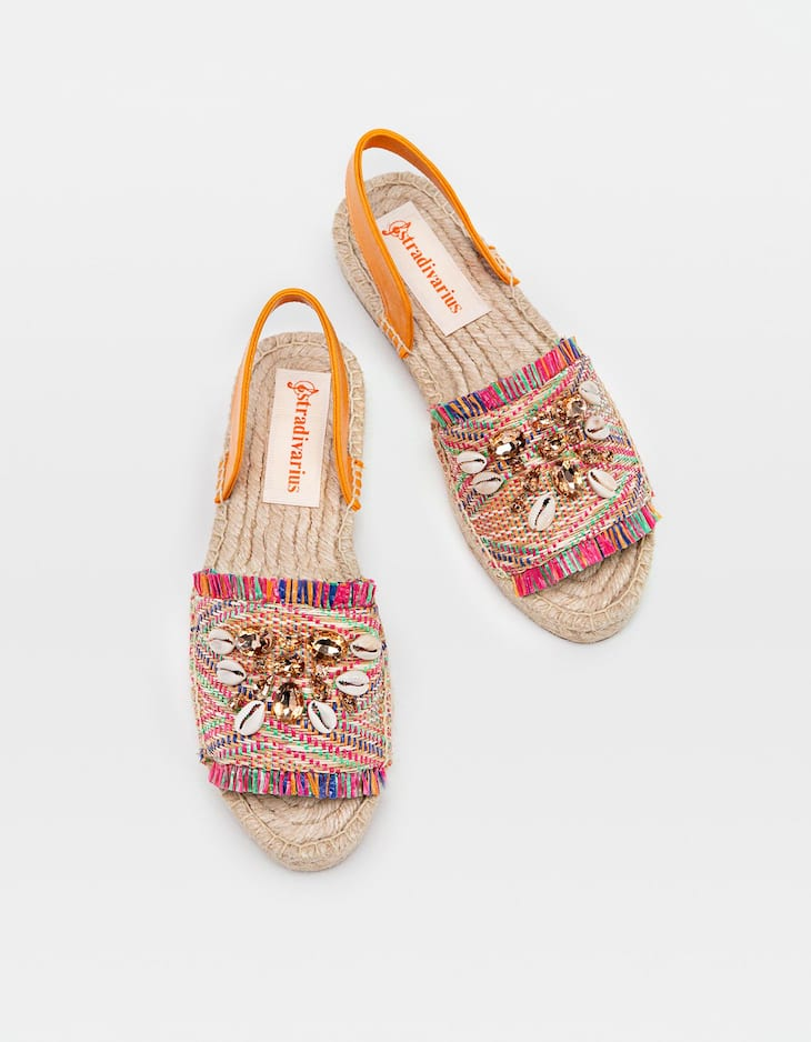 Espadrillas slingback combinate con conchiglie