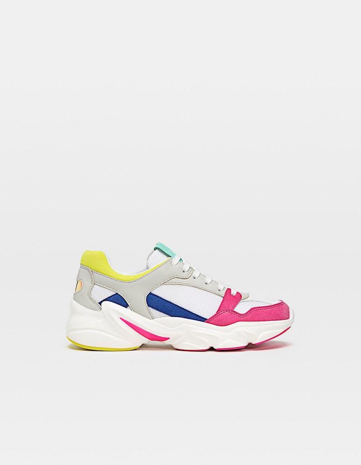 e85d55d1da5 Αθλητικά παπούτσια με φαρδιά σόλα και αντίθετο συνδυασμό χρωμάτων. 0. + Info