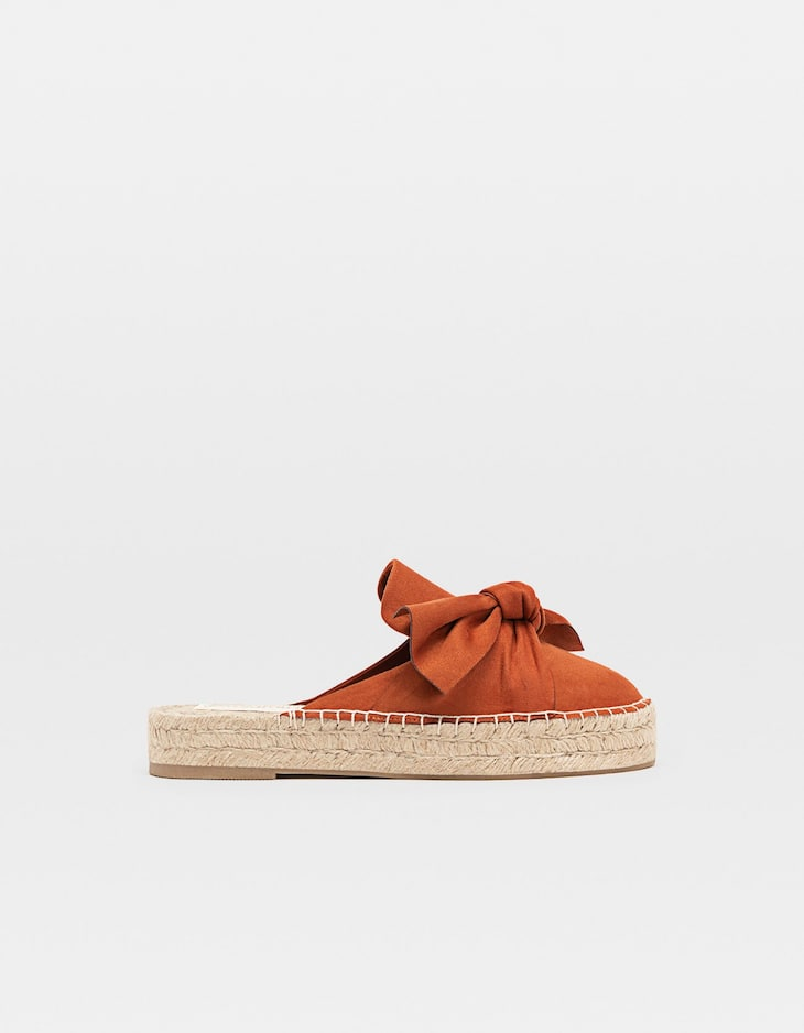 Slingback espadrilles with a bow