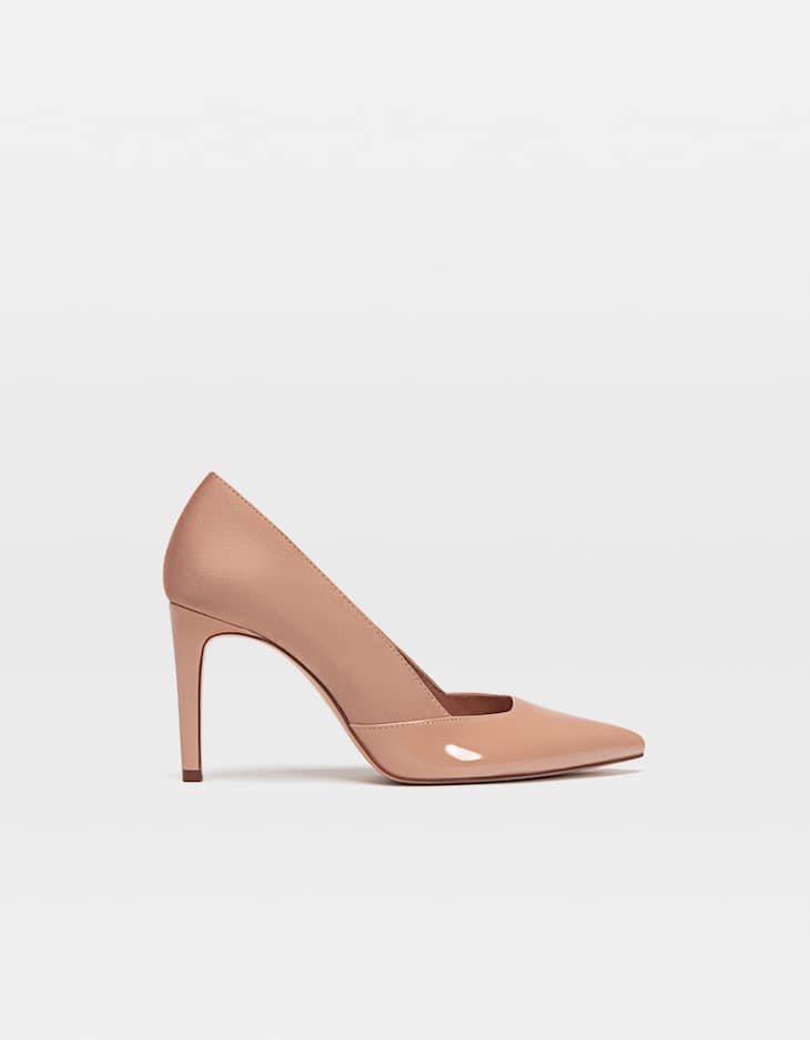Contrasting high-heel court shoes