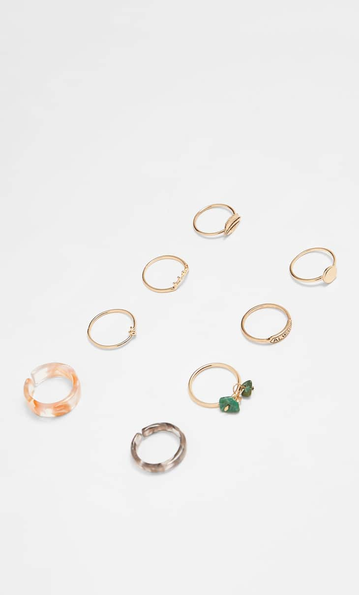 Set of 8 resin rings