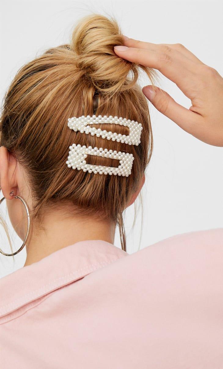 STR set of 2 pearl bead hair clips
