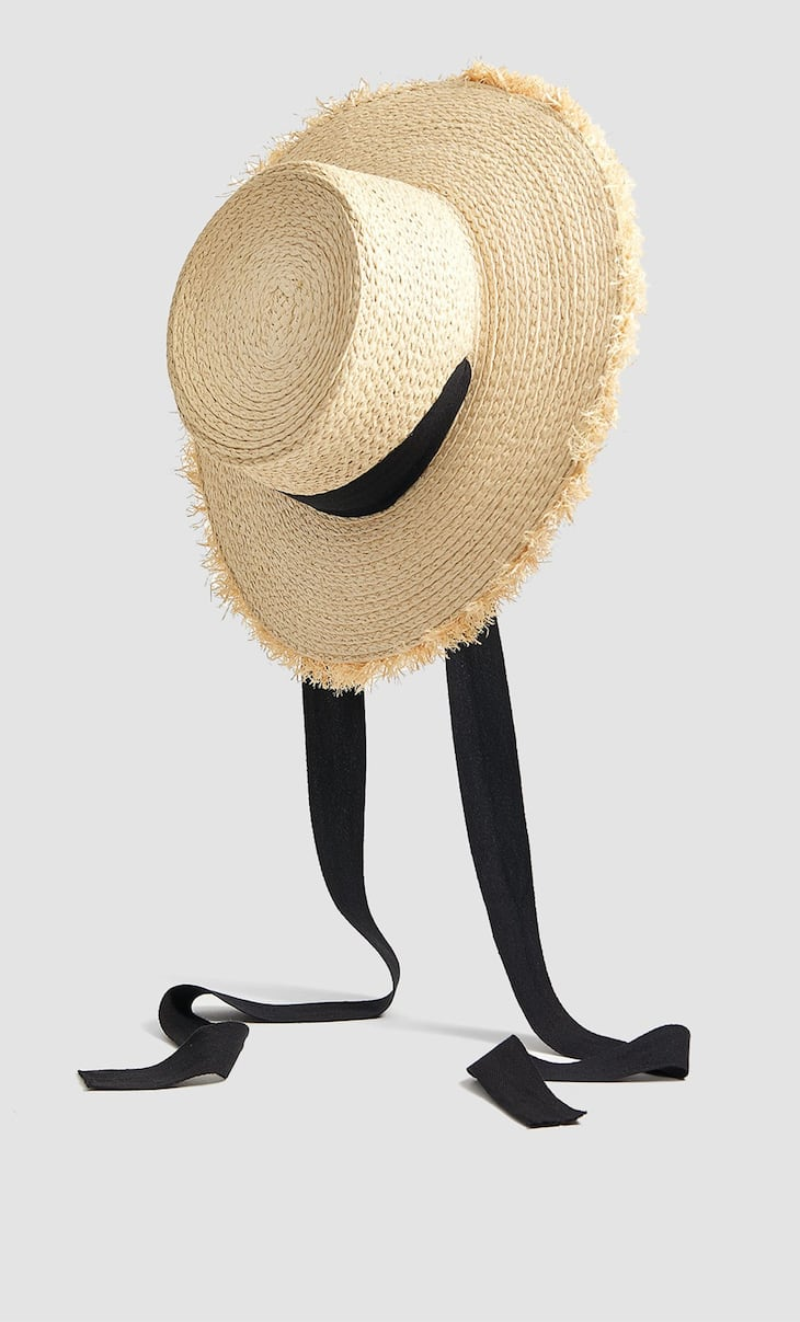 Raffia hat with black bow