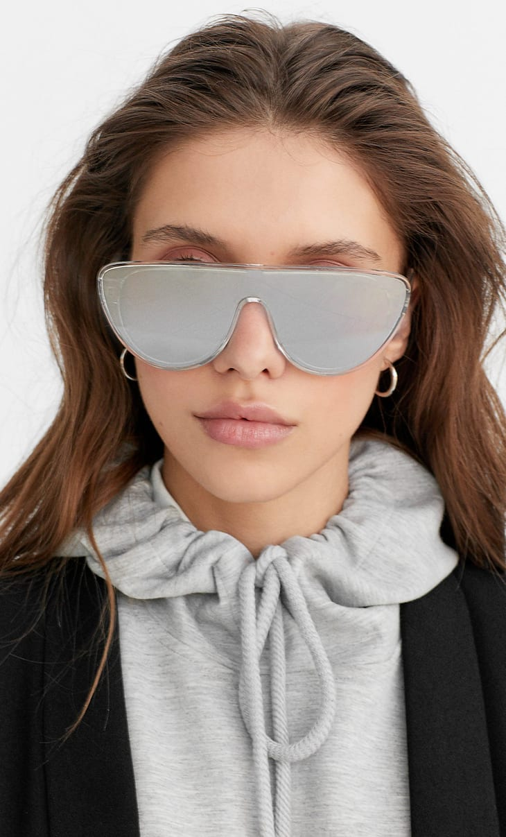 Mirrored visor sunglasses