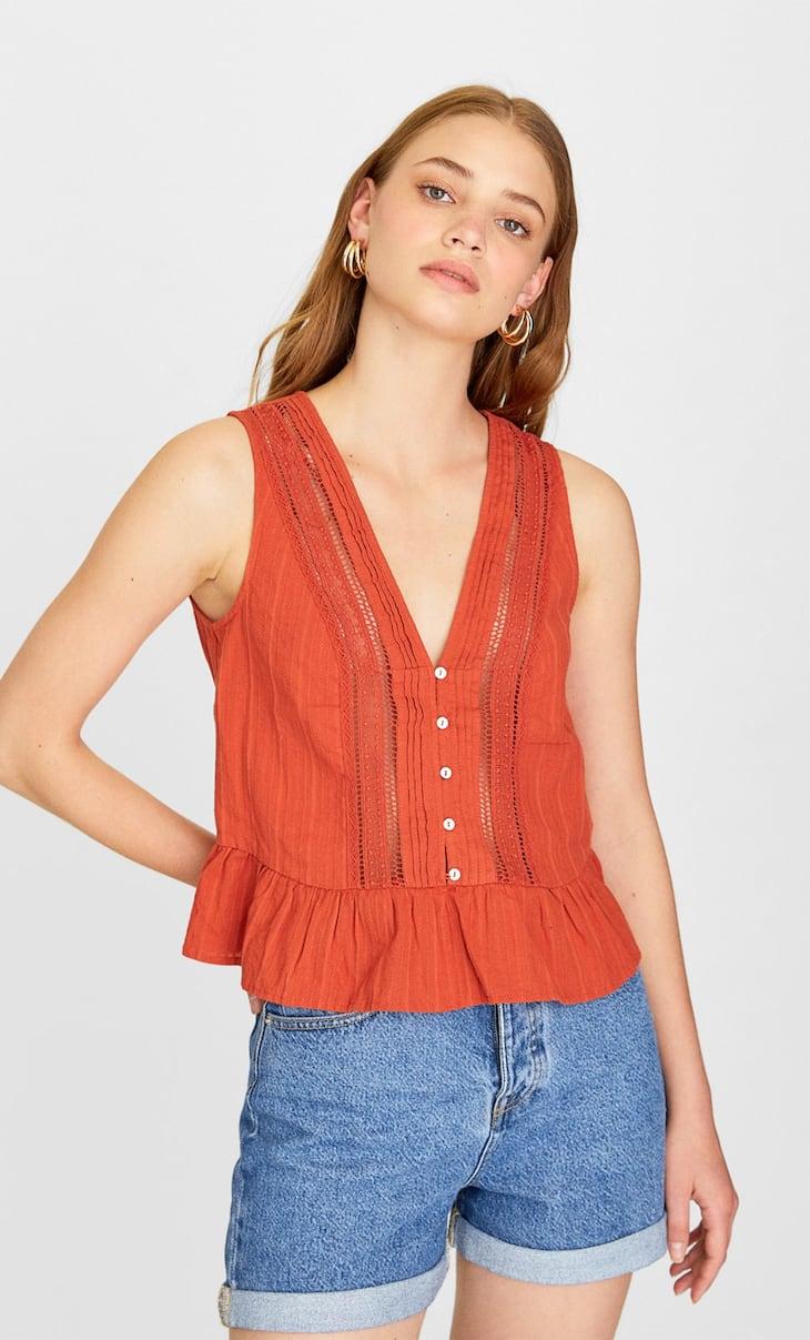 Блуза с кружевом кроше