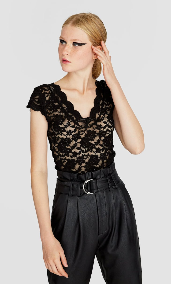 Short sleeve blonde lace T-shirt