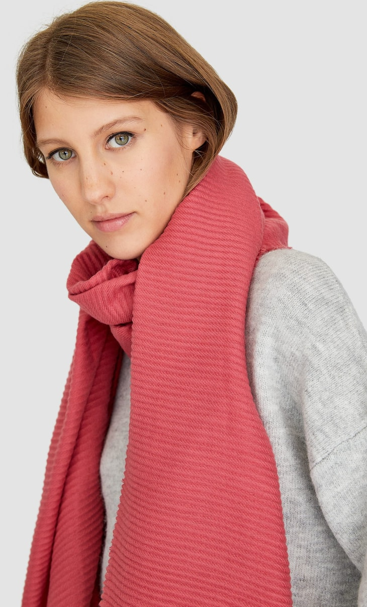 Soft pleated scarf