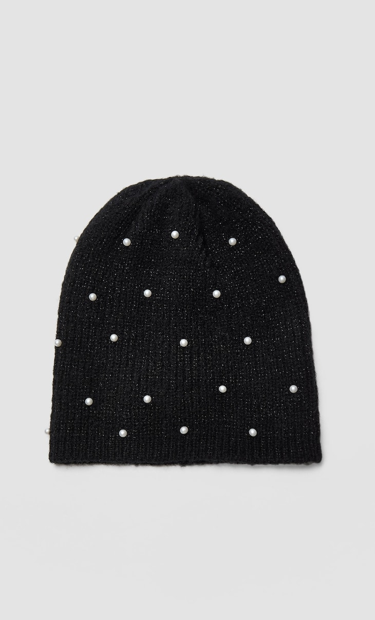 Beanie with pearl beads