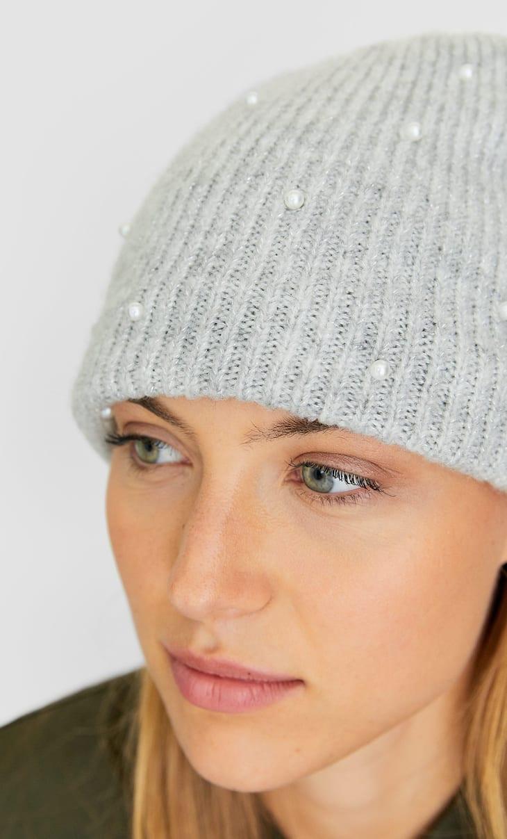 Bonnet avec perles