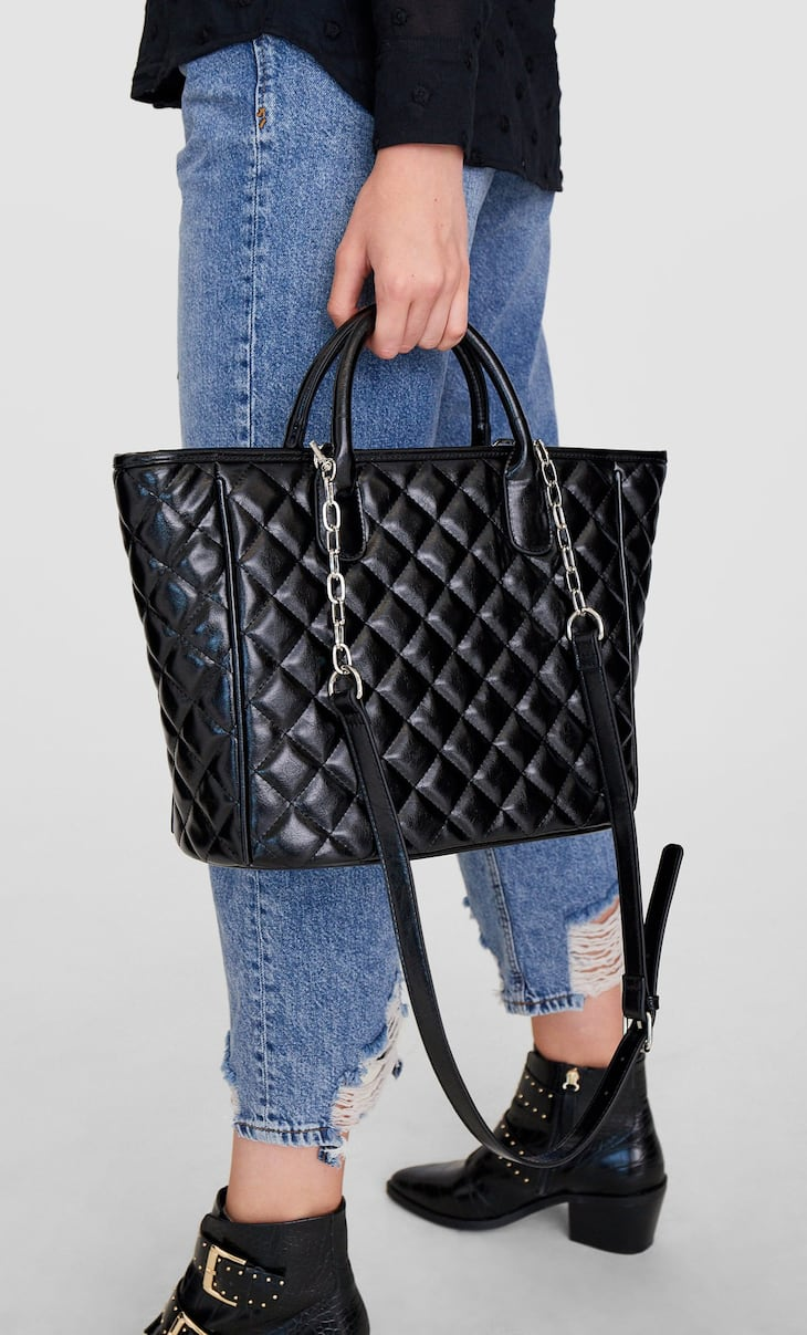 Quilted tote bag with chain detail