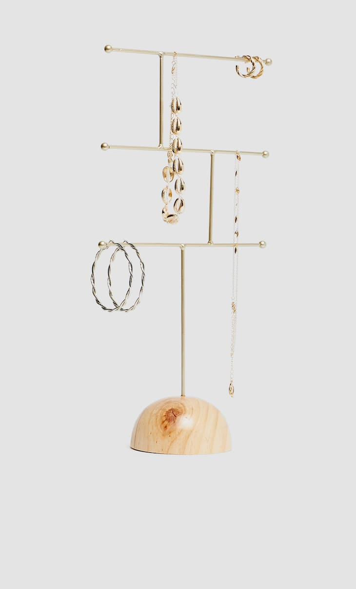 Three-levelled jewellery stand