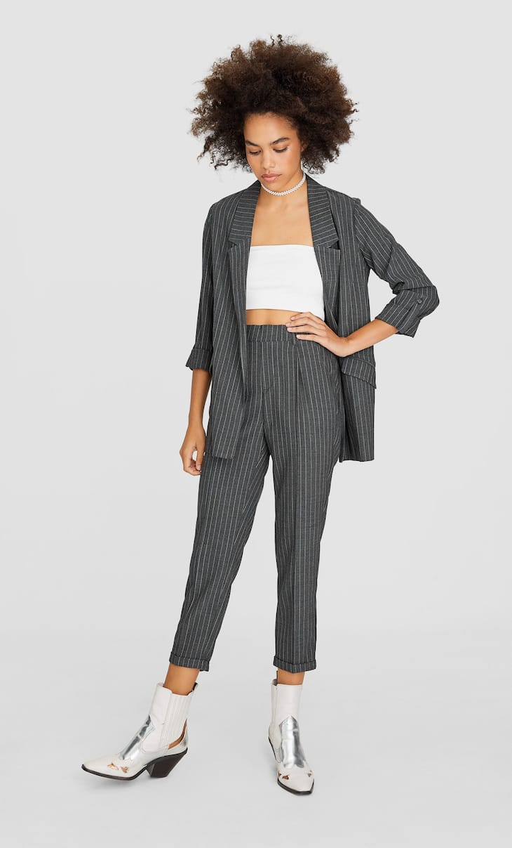 Pantaloni tailoring slim fit cu dungi