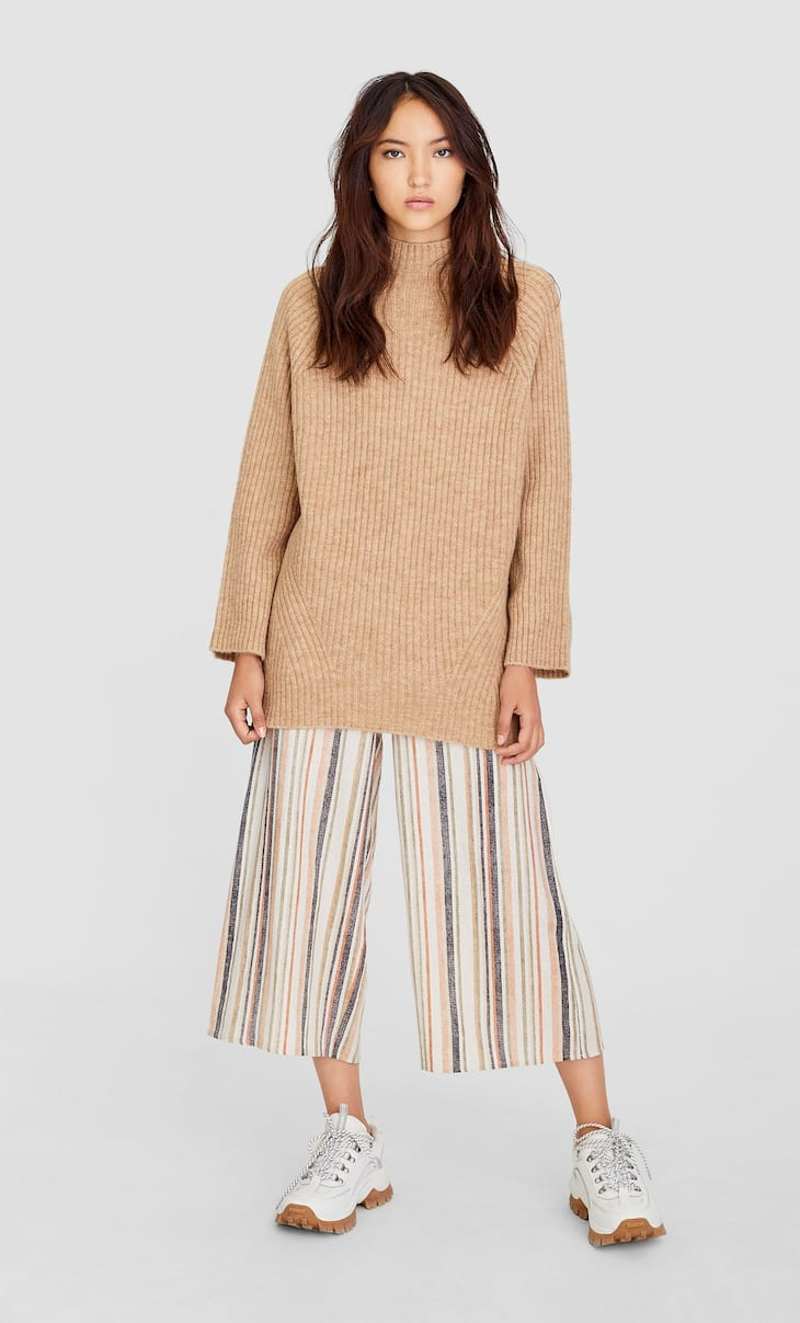 Cropped button-up striped trousers