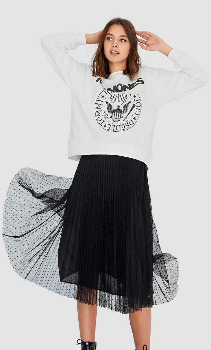Pleated dotted mesh skirt