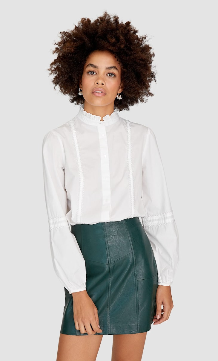 Skirt with seam details