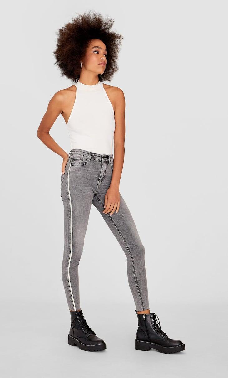 Jeans taille haute et effet scintillant