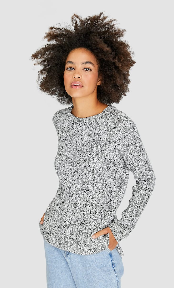 Basic-Pullover mit Zopfmuster
