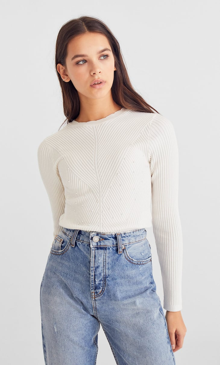 Ribbed sweater with faux pearls