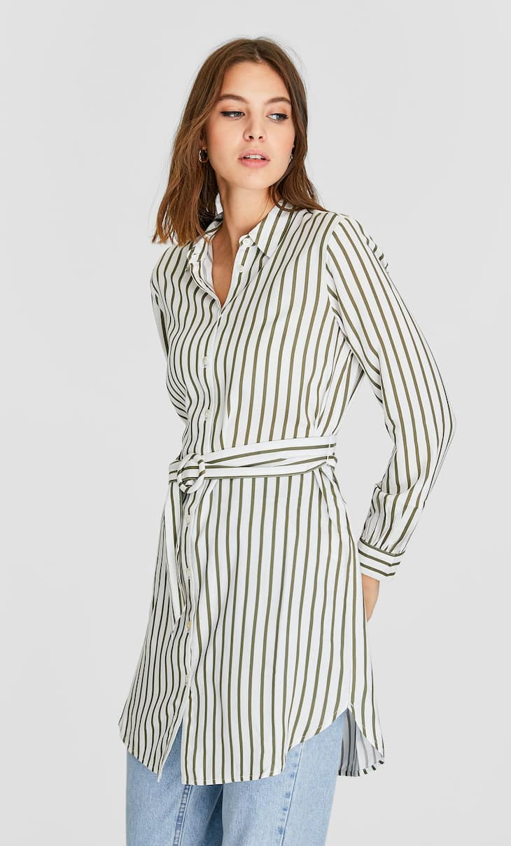 Longline shirt with buckle