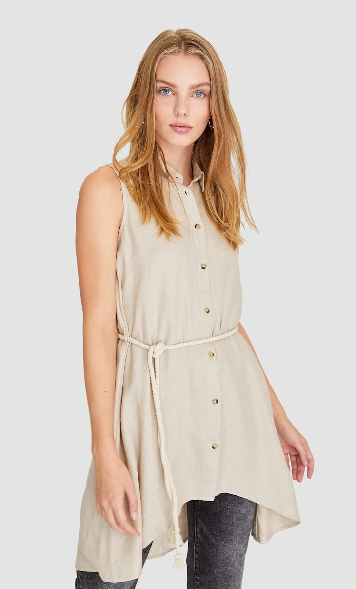 Sleeveless shirt with rope belt