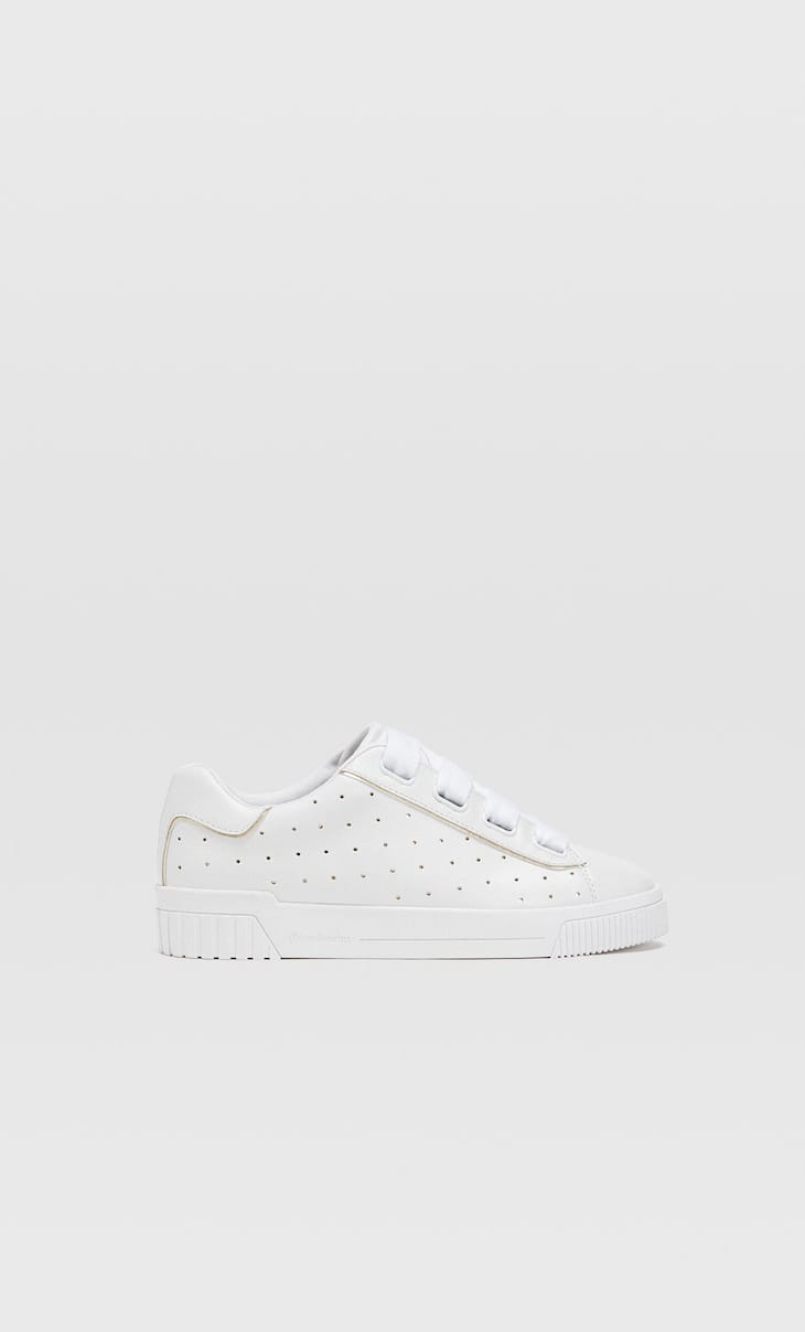 White trainers with detailing