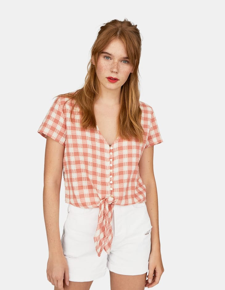 Rustic gingham shirt with knot