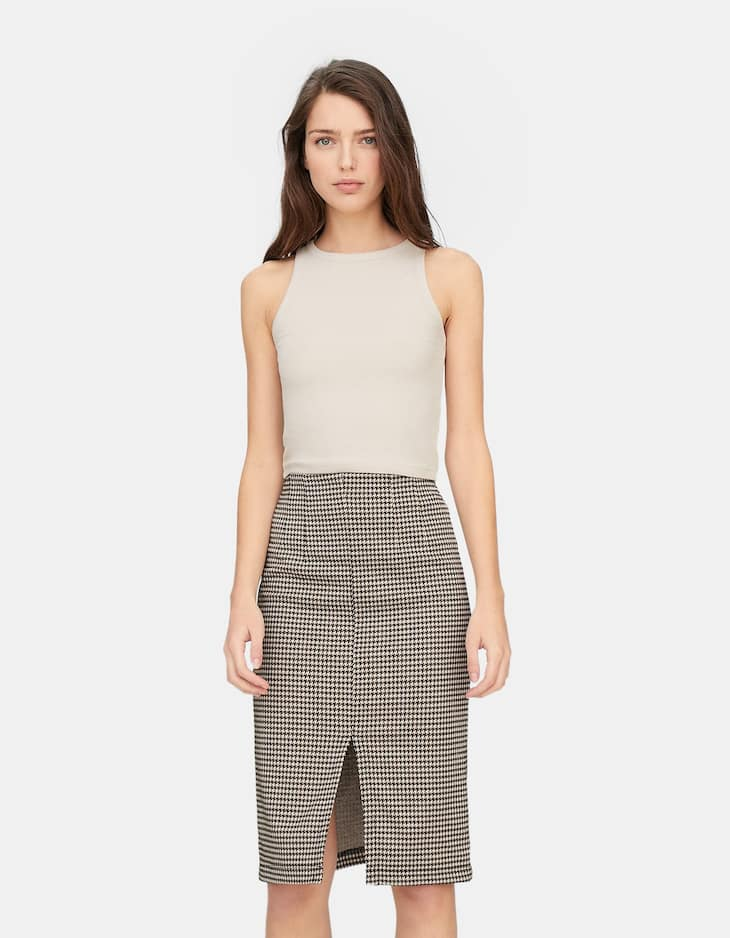 Pencil skirt with front slit