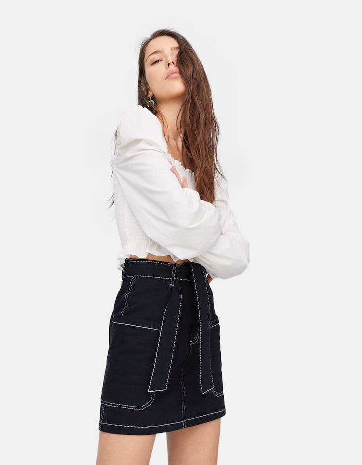 Skirt with contrasting topstitching