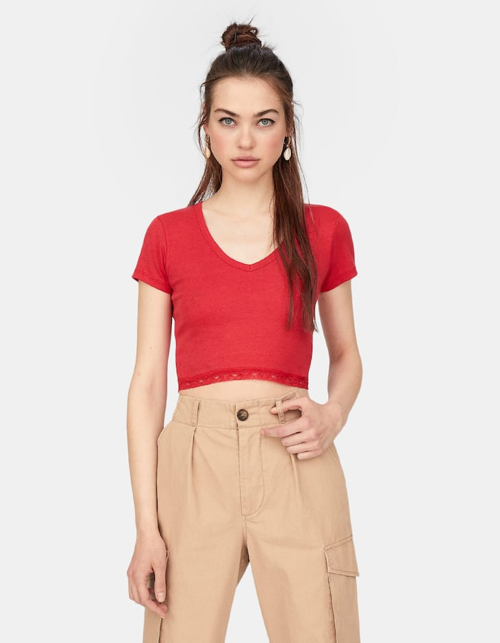 Cropped V-neck T-shirt with lace trim