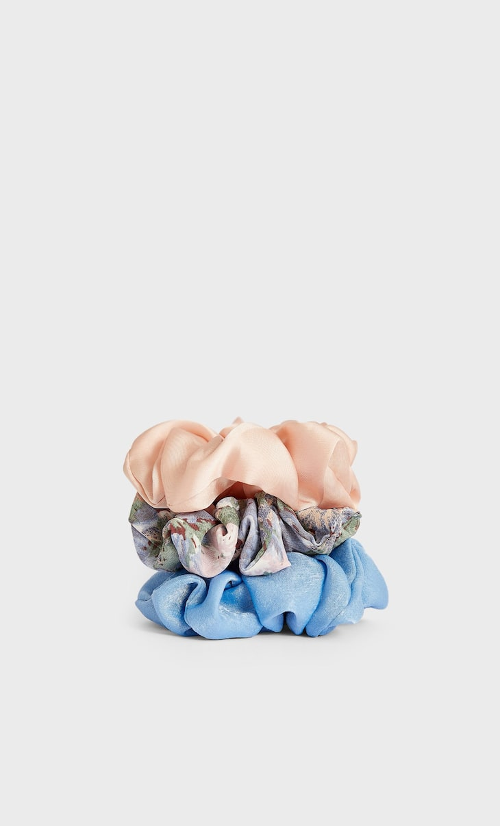 Set of 3 floral and gingham scrunchies