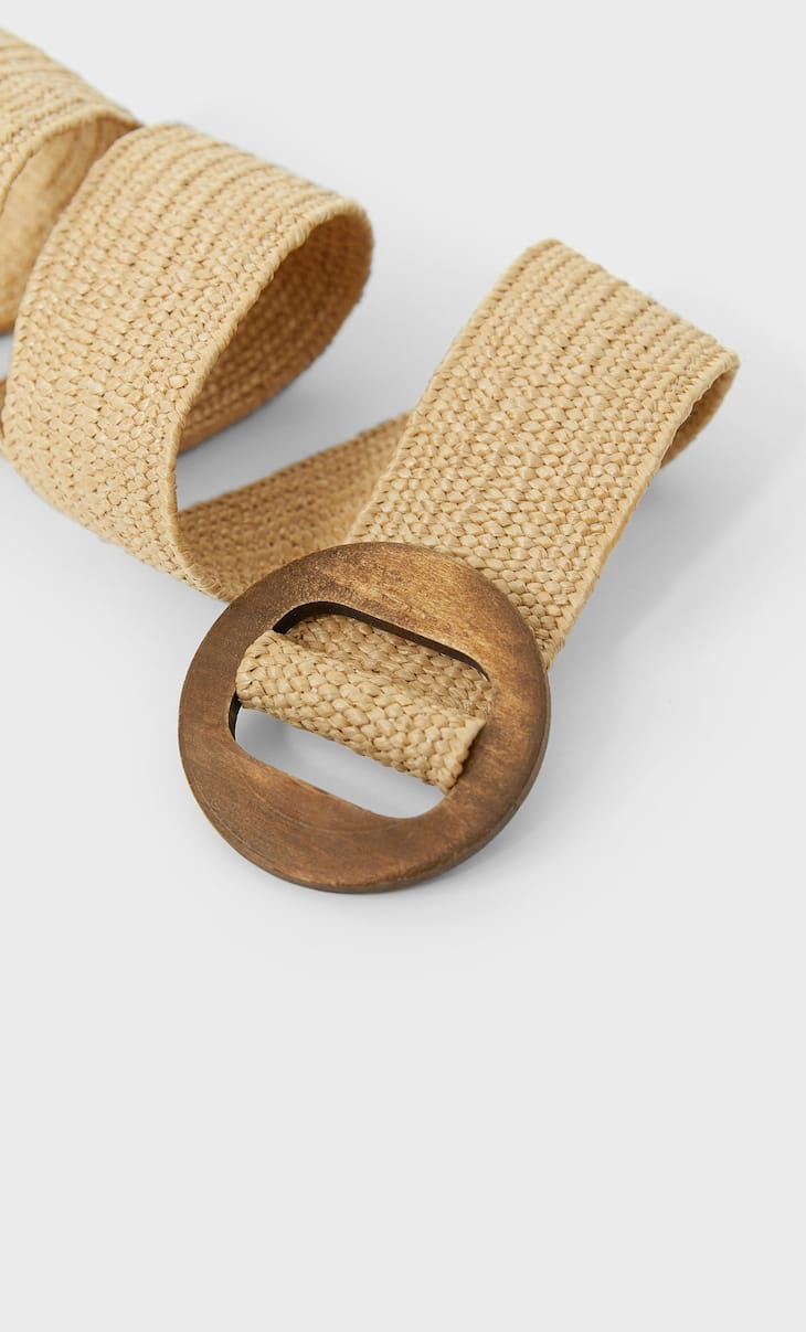 Stretch belt with wooden buckle