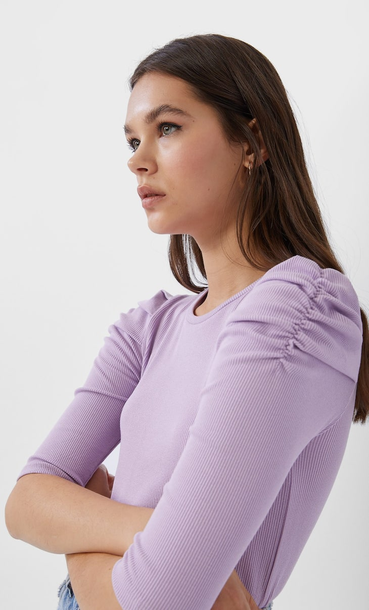 T-shirt with shirred sleeves