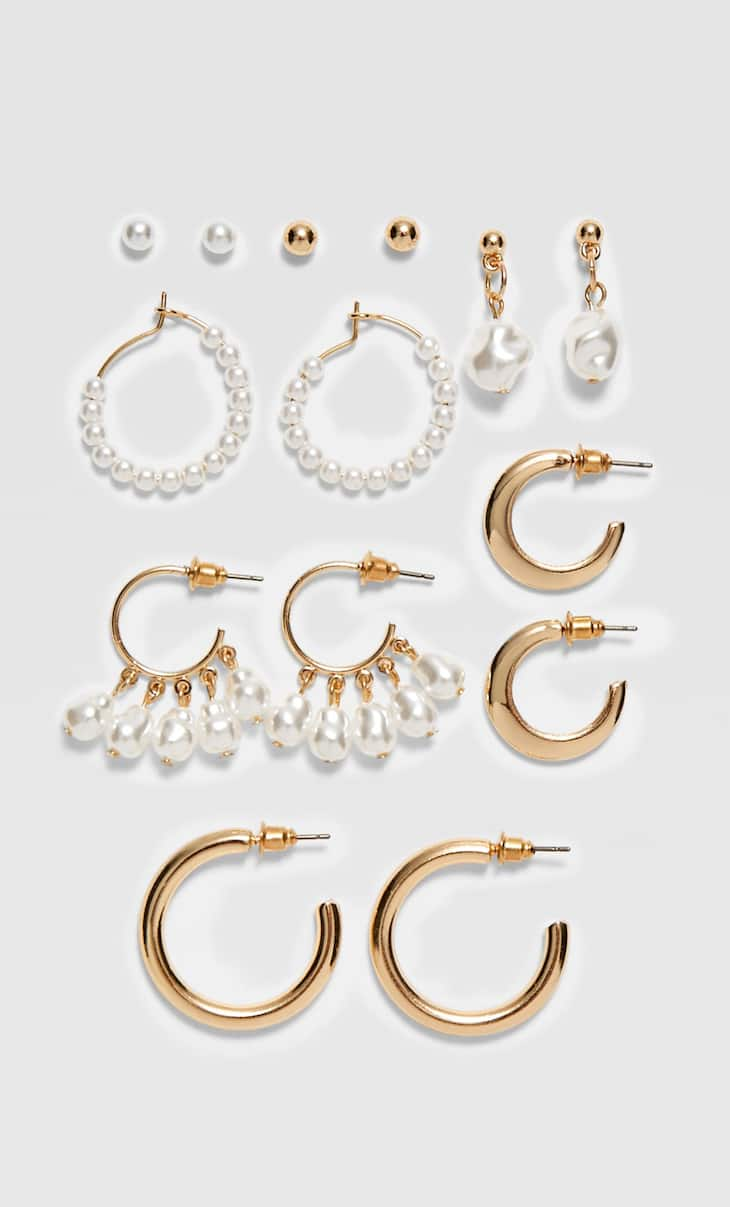 Set of 7 pairs of pearl bead earrings