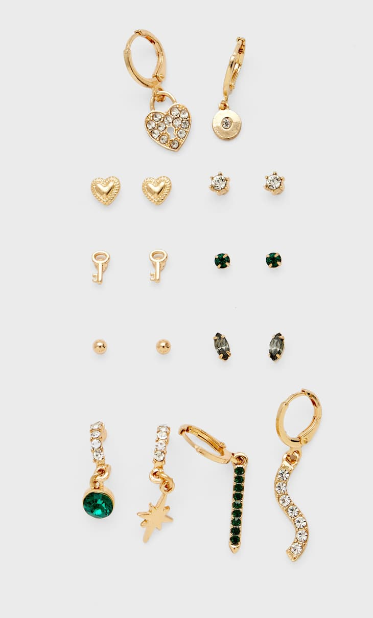 Set of charms and crystal earrings