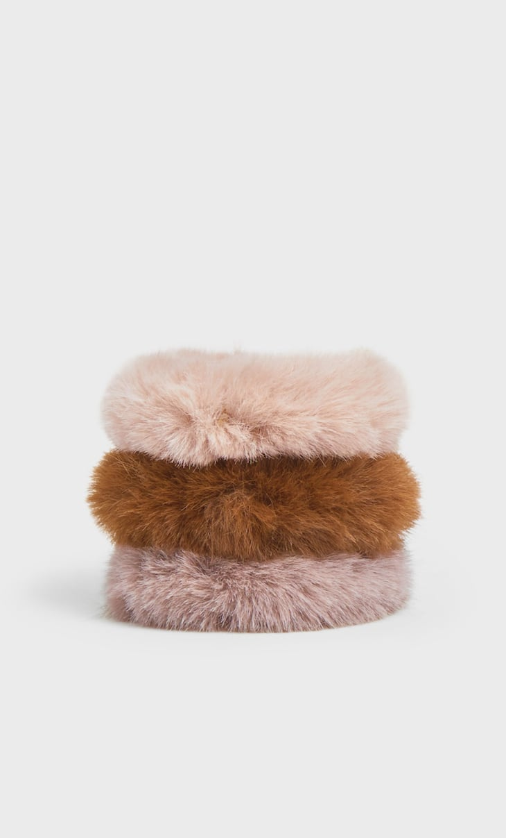 Set of 3 faux fur scrunchies