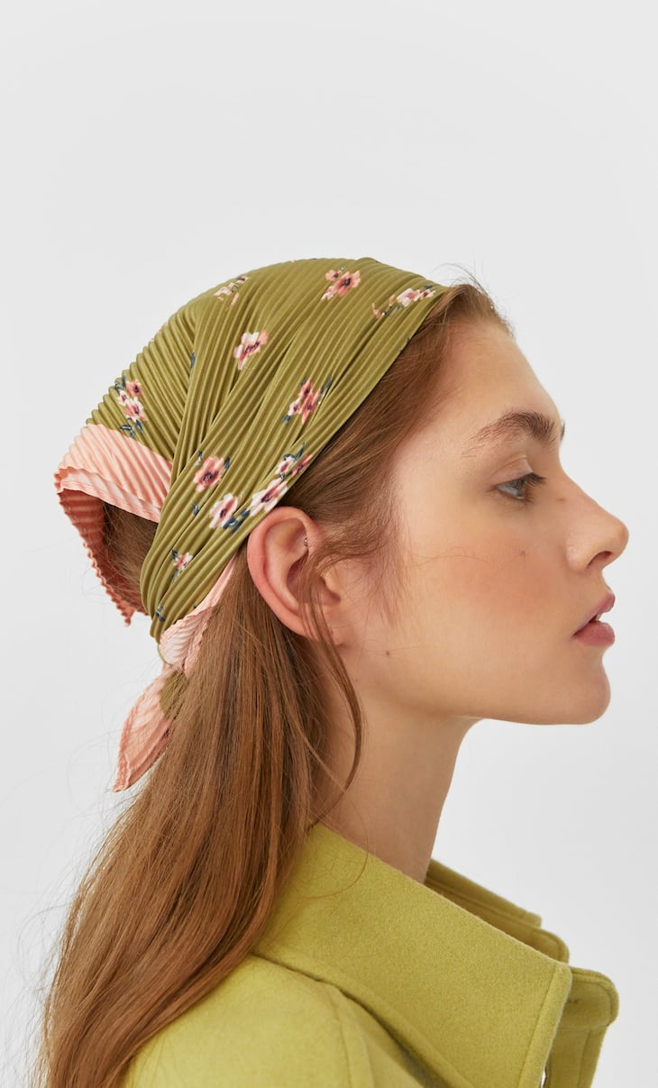 Pleated floral bandana
