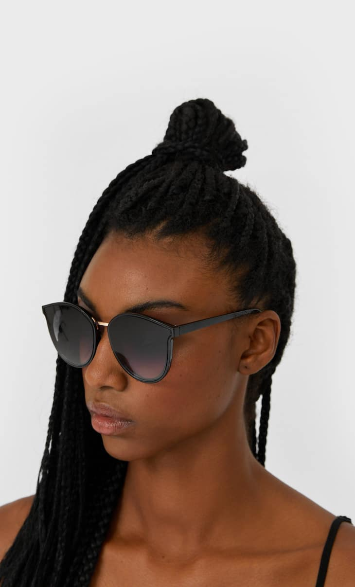 Resin sunglasses with metal detail