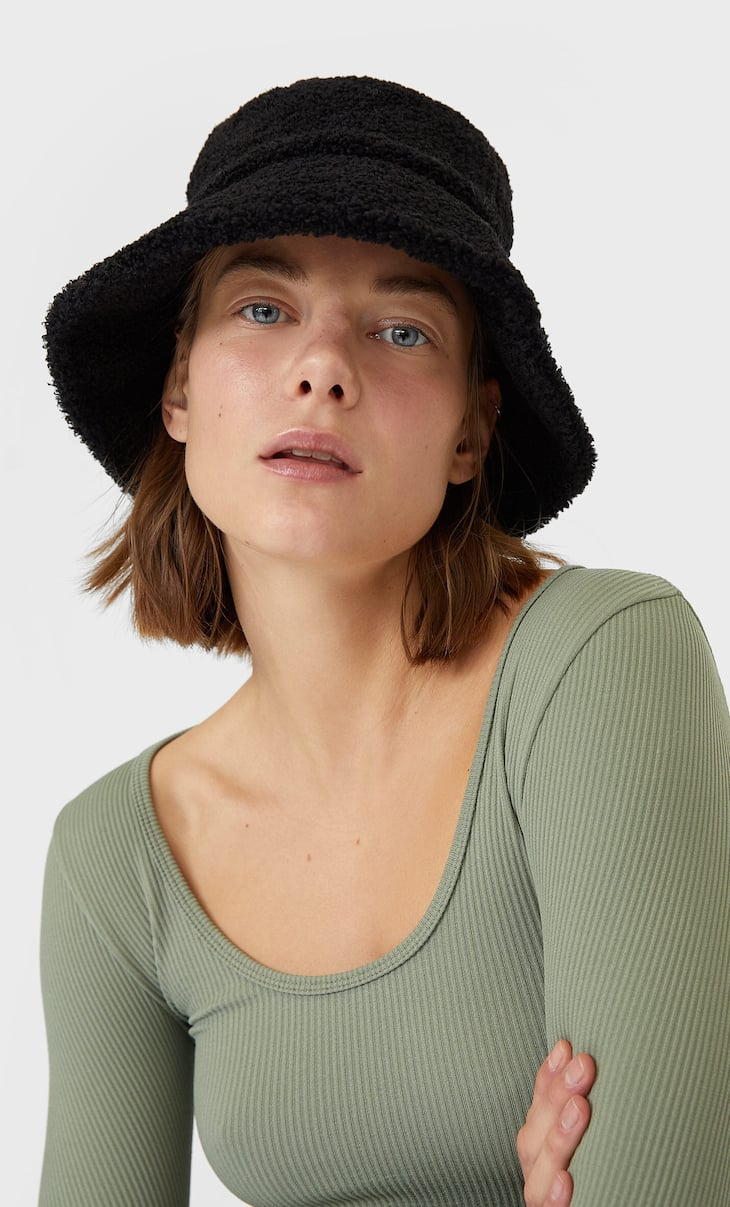 Faux shearling bucket hat
