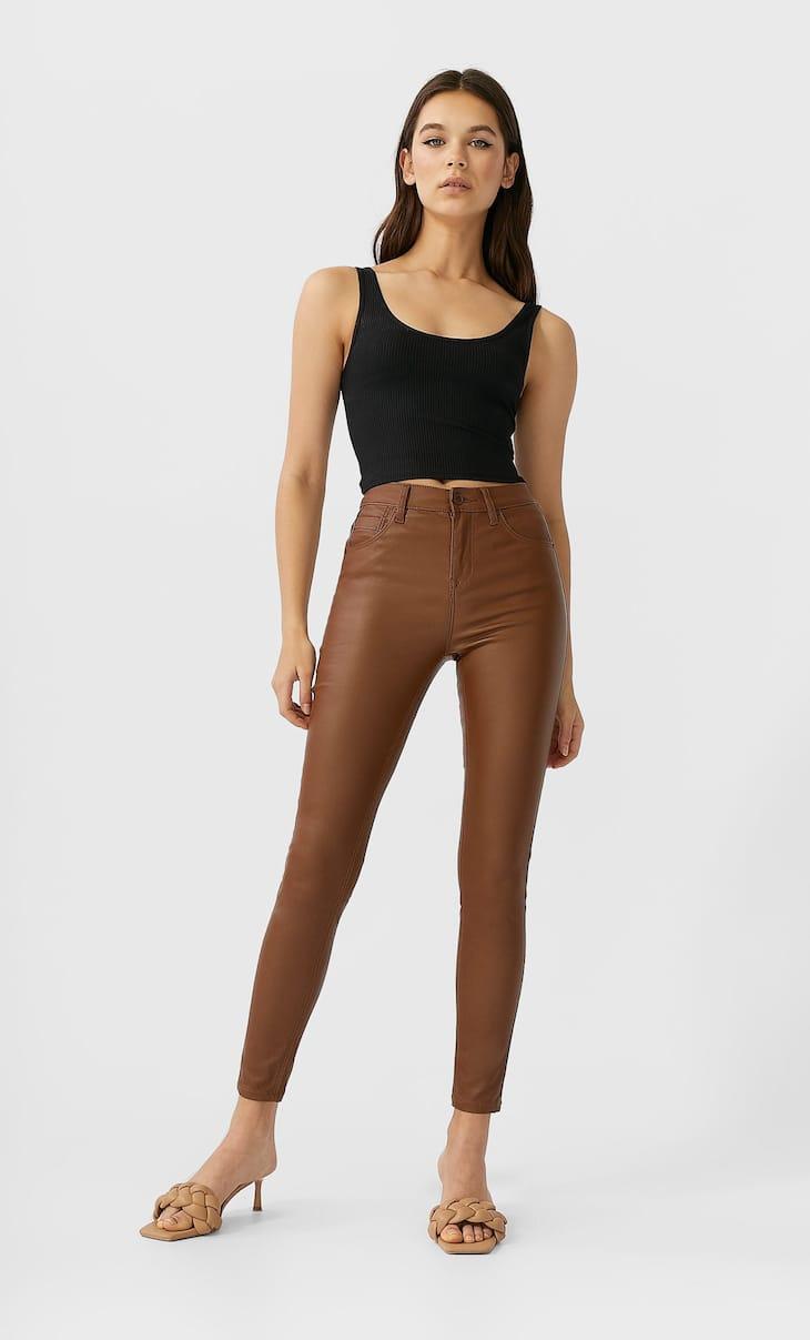 Obojene pantalone visokog struka