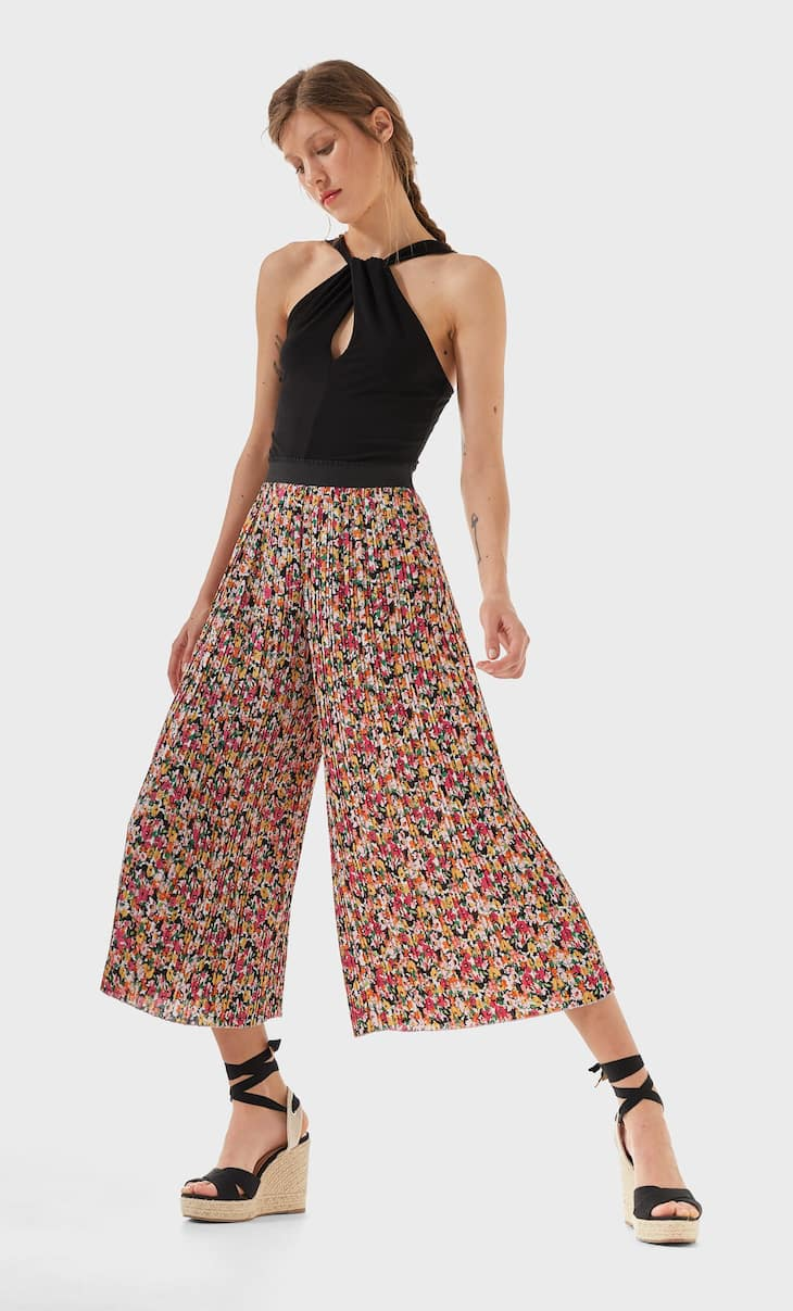 Pleated printed culottes