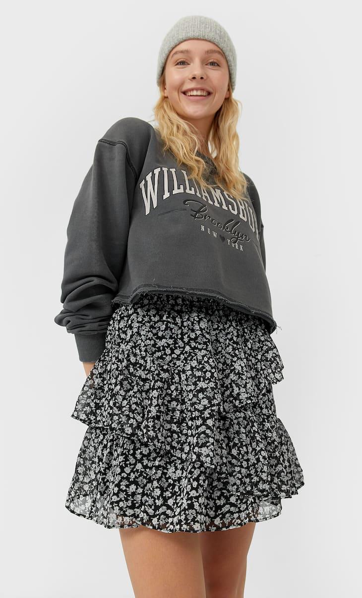חצאית מיני עם קפלולים