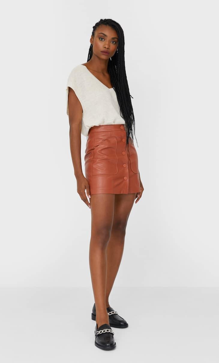 Spódnica mini ze sztucznej skóry z guzikami