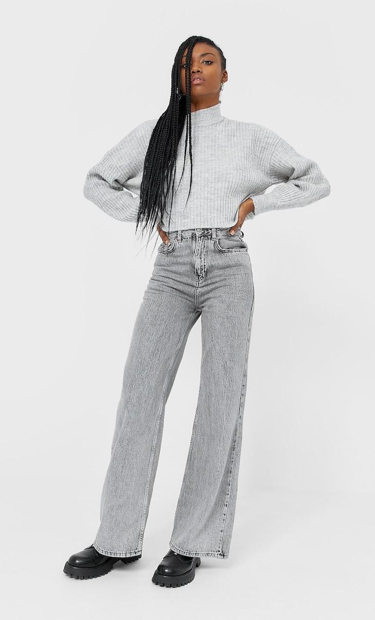 Jeans mit extra weitem Bein