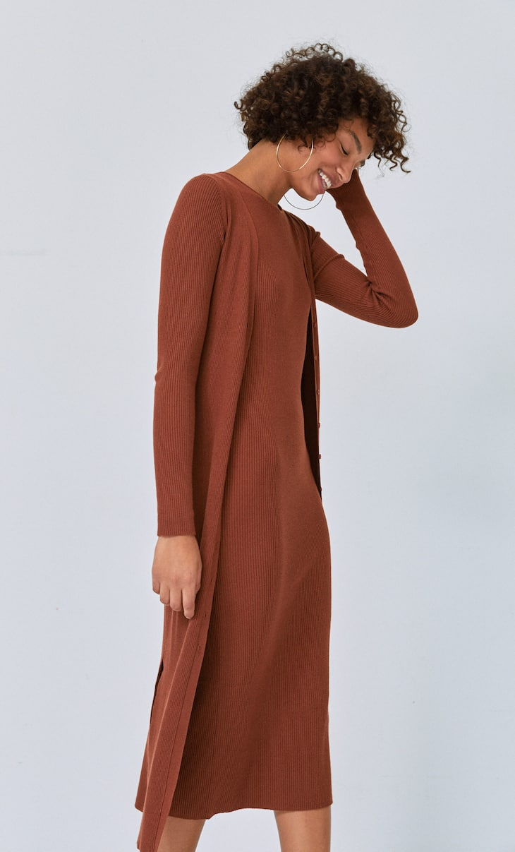 Long knit dress with buttons