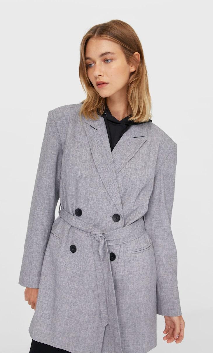 Veste de tailleur oversize avec ceinture