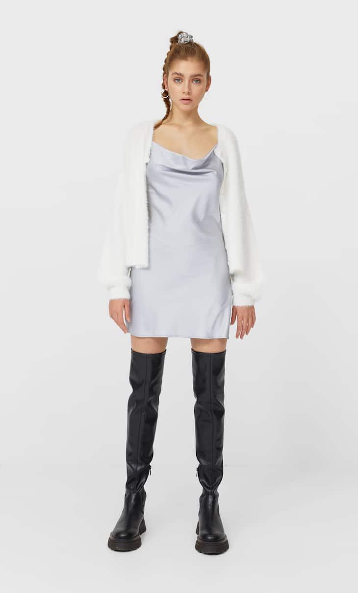 שמלת סאטן קצרה