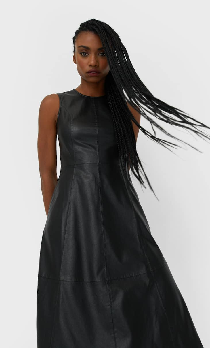 Rochie midi din imitație de piele sintetică